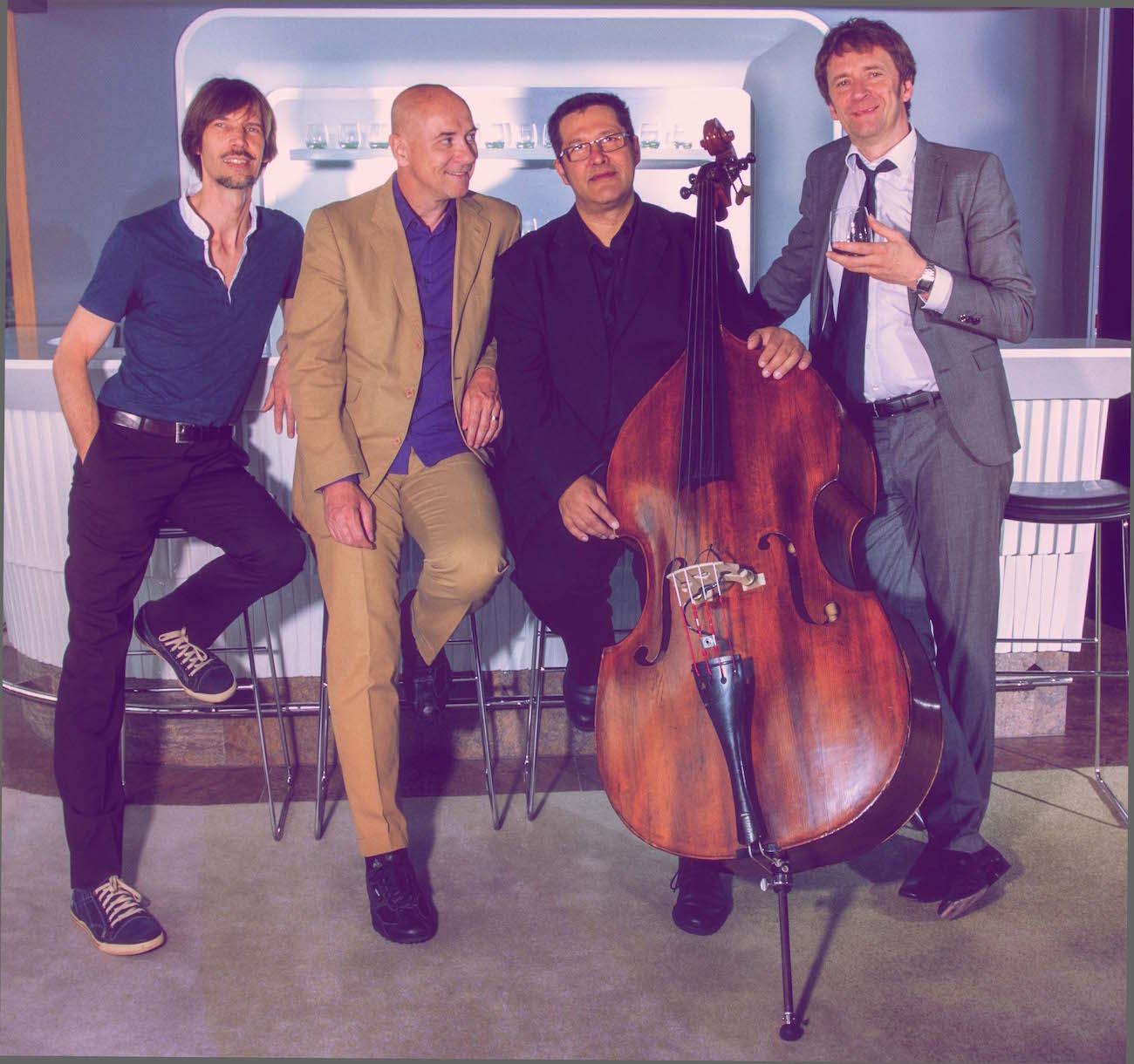 Ecco DiLorenzo mit Band